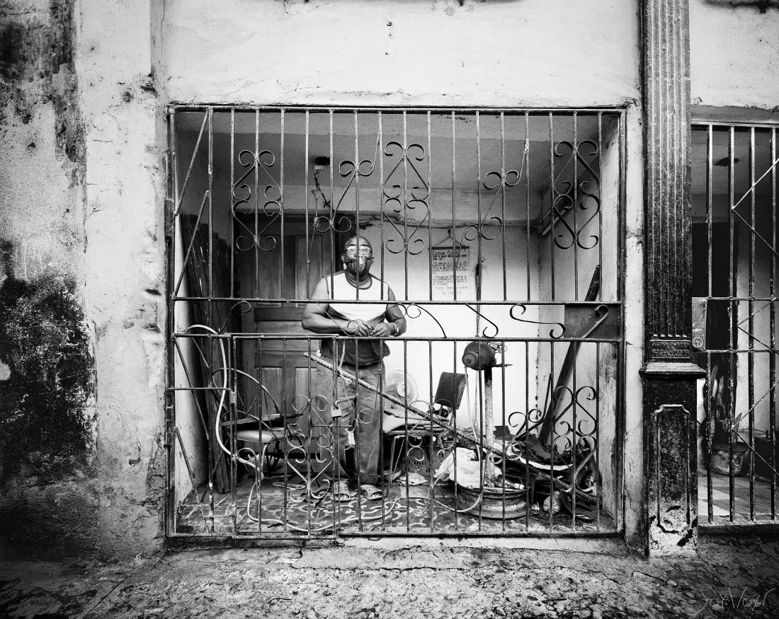 Cordonier Dans La Vieille Ville La Havane Cuba