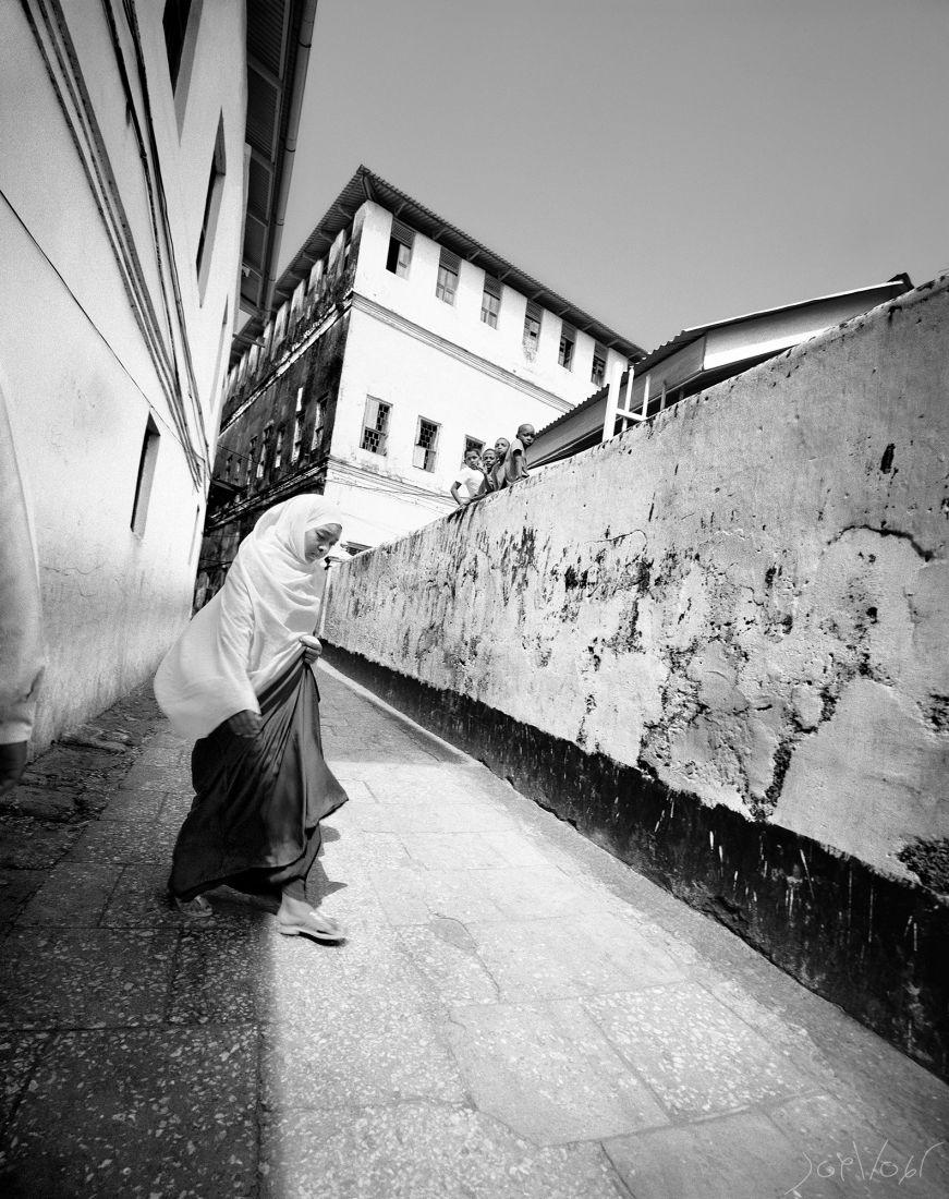 Enfants Sur Le Mur Stone Town Zanzibar
